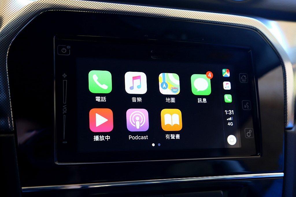 選配多功能觸碰螢幕後,就可以利用Apple CarPlay、Android Au...