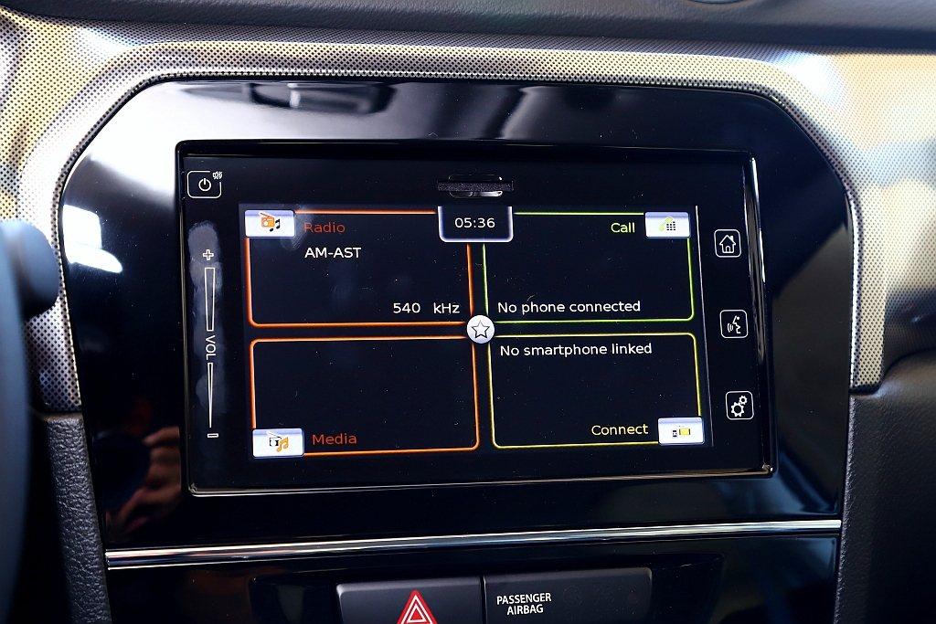 Suzuki Vitara S/S ALLGRIP車型可升級選配多功能觸碰螢幕,...
