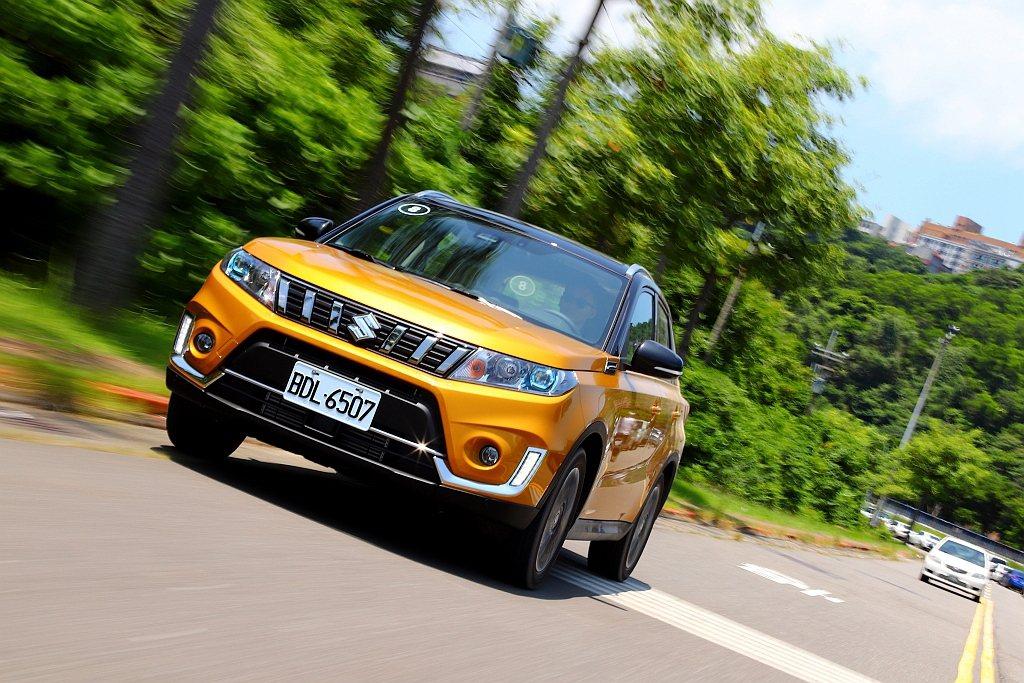 小改款Suzuki Vitara搭載ACC主動式安全車距巡航控制系統,更具備全速...