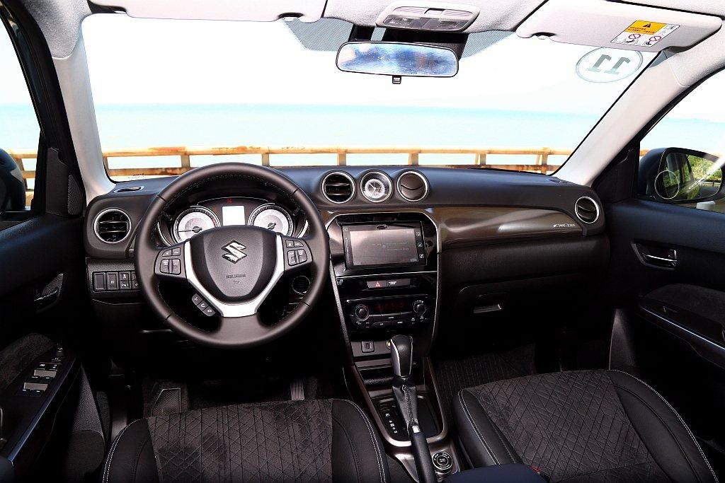 由於Suzuki Vitara早自2014年法國巴黎車展就已經問世,因此對於內裝...