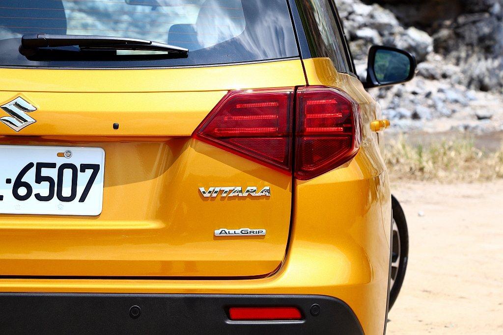 小改款Suzuki Vitara新增灰藍黑、金黃黑兩種車色可選(S ALLGRI...