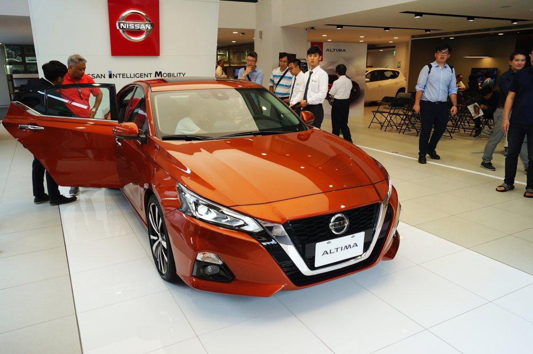 Nissan Altima目前預接單價有兩種車型,分別為119.9萬元「豪華菁英...