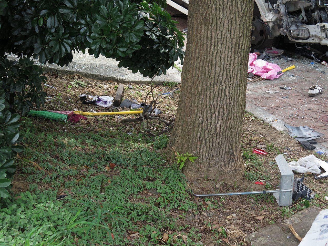 26歲朱姓送貨工今天凌晨涉嫌酒駕,在桃園蘆竹區撞死2名正在掃街的環保志工與1名路...