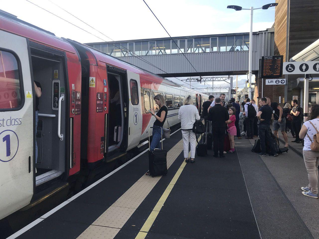 英國有一萬名逃票的火車乘客遭超額罰款。美聯社