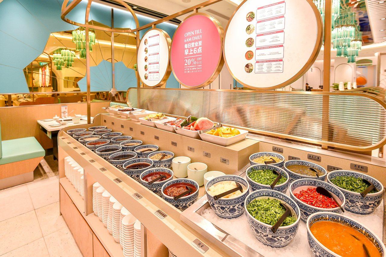美滋鍋依口味與食材搭配現場26種調味醬料。圖/樂天餐飲集團提供