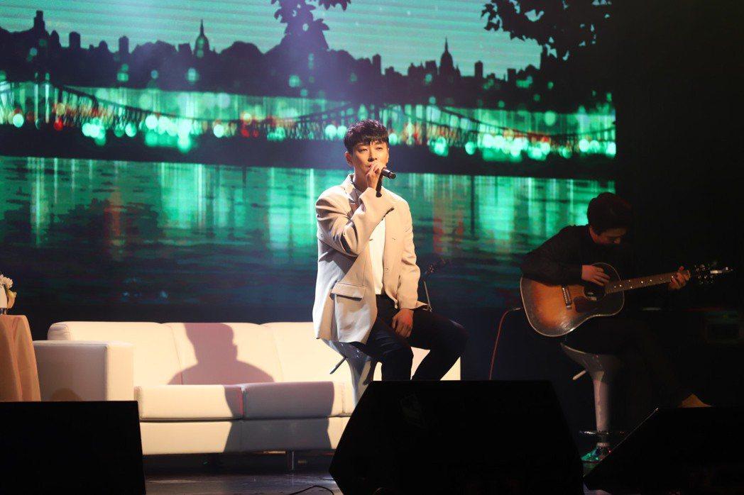 朱智勛演唱朴寶劍的歌。圖/欣亦隆提供