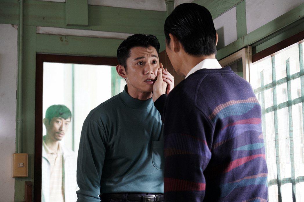 吳慷仁客串「俗女養成記」,飾演小嘉玲的叔叔。圖/華視提供