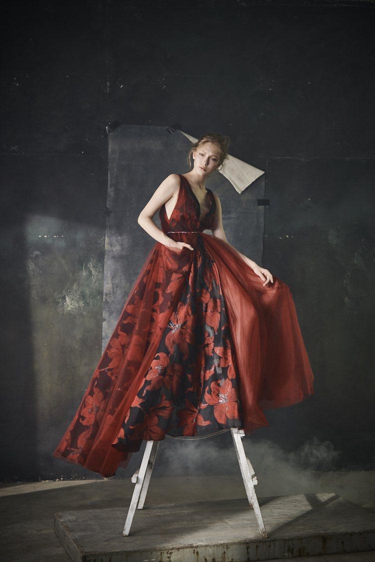 蘇菲雅婚紗搶先曝光2020早鳥專案,八月底前除了有最低6折的優惠,還送上手工婚鞋...