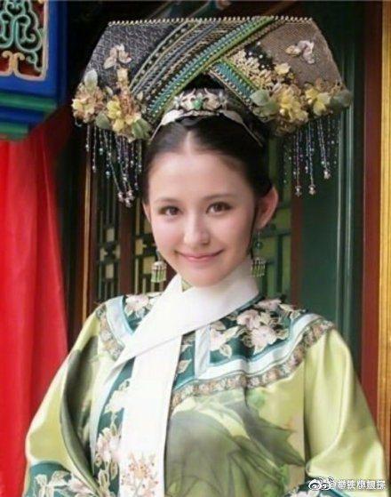 熱依札曾演出「後宮甄嬛傳」寧嬪角色。圖/摘自微博