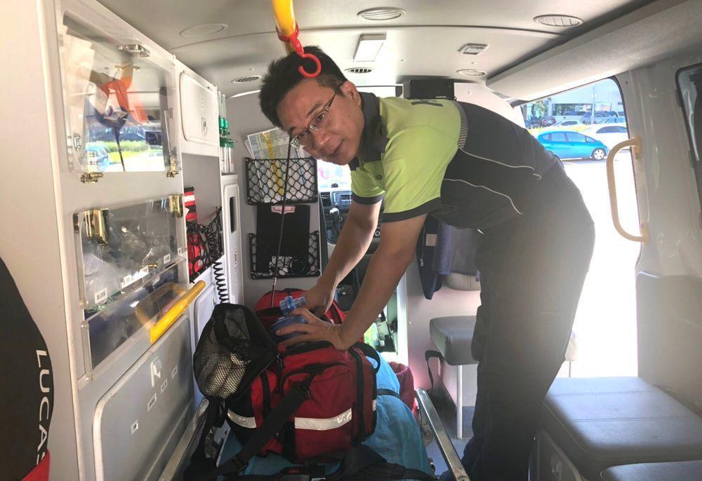 新竹市消防局第二大隊金山分隊消防員吳振源,多次救護尋短者逐漸讓他對救護工作的價值...