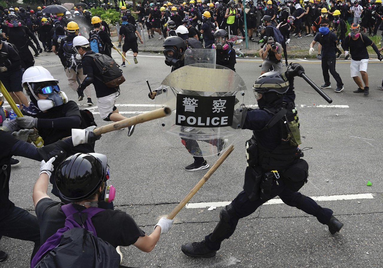 反送中警民衝突。美聯社