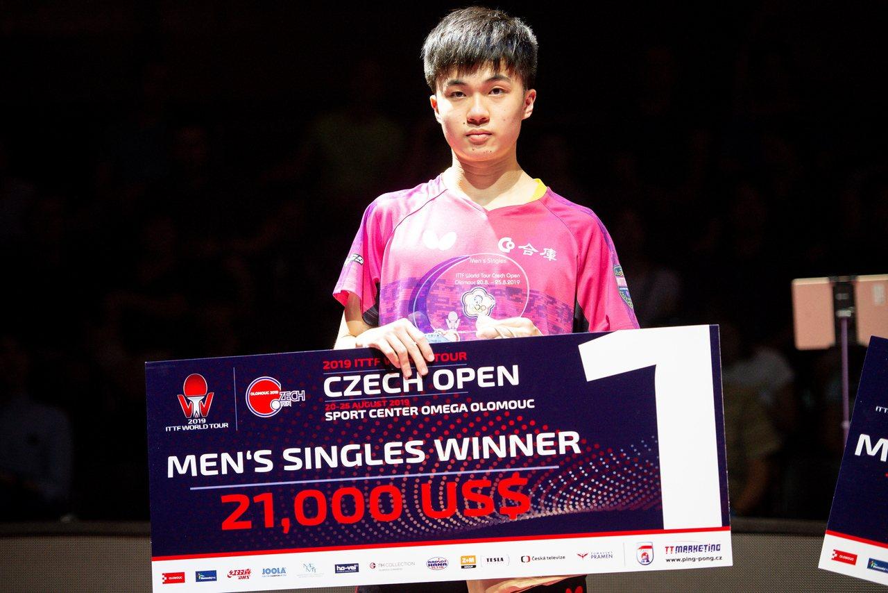 台灣18歲桌球小將林昀儒今天在世界桌球巡迴賽的捷克公開賽男單一日兩戰,決賽他再碰...