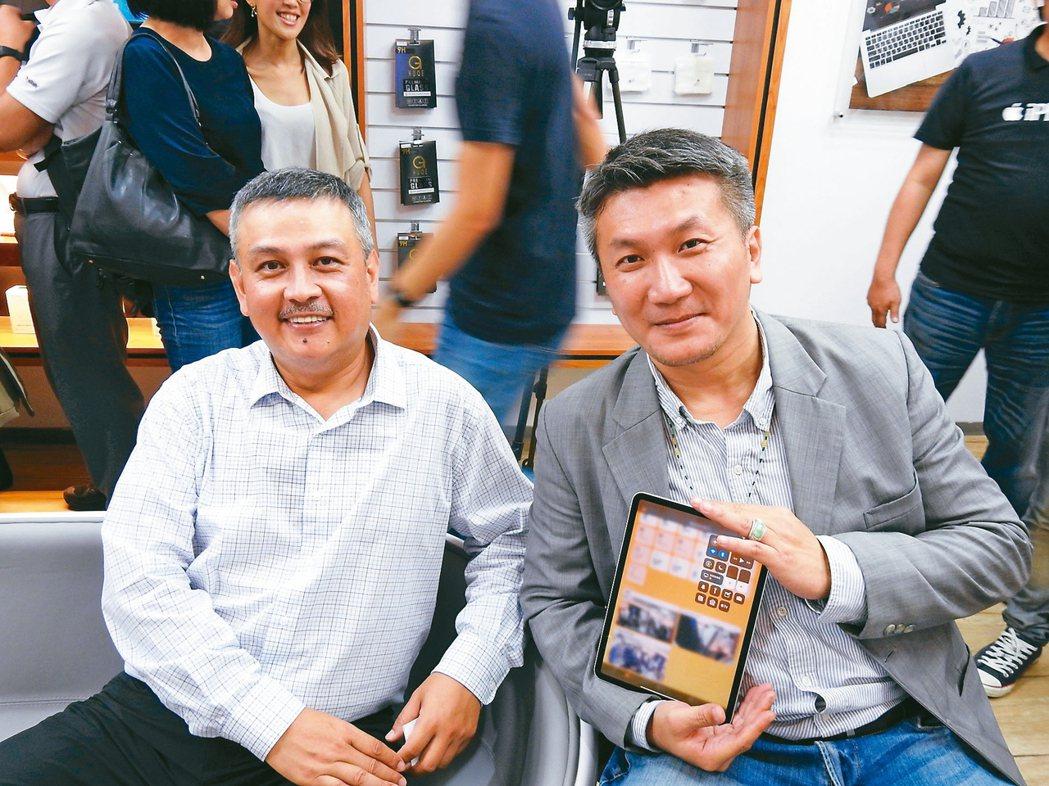 釩創科技董事長鄭清汾(左)與總經理吳學明