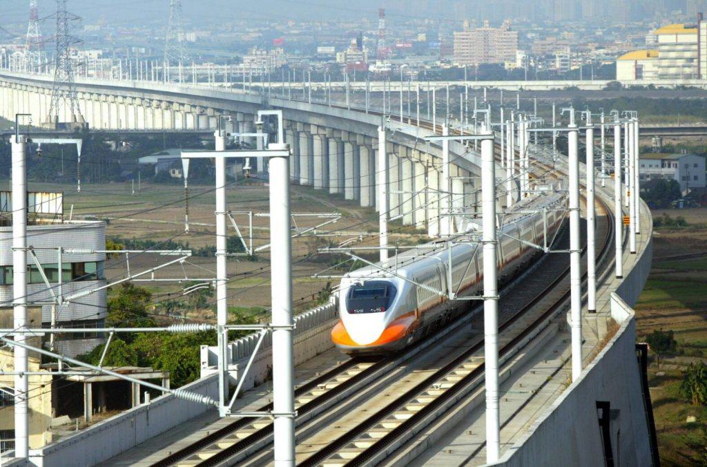 交通部鐵道局持有的高鐵站區土地,下半年度土地標售作業展開,這次釋出的新竹站、台中...