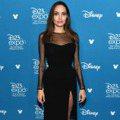 安潔莉娜裘莉一貫優雅亮相迪士尼D23博覽會 艾兒芬妮隆重出席果然是最美公主