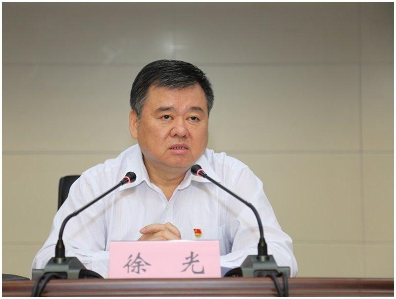 河南副省長徐光被查,曾剷平200多萬座墳墓被封「平墳書記」。取自星島網