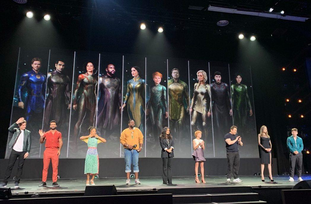「永恆族」全體演員包括安琪莉娜裘莉、馬東石、陳靜、基特哈靈頓等明星出席D23博覽