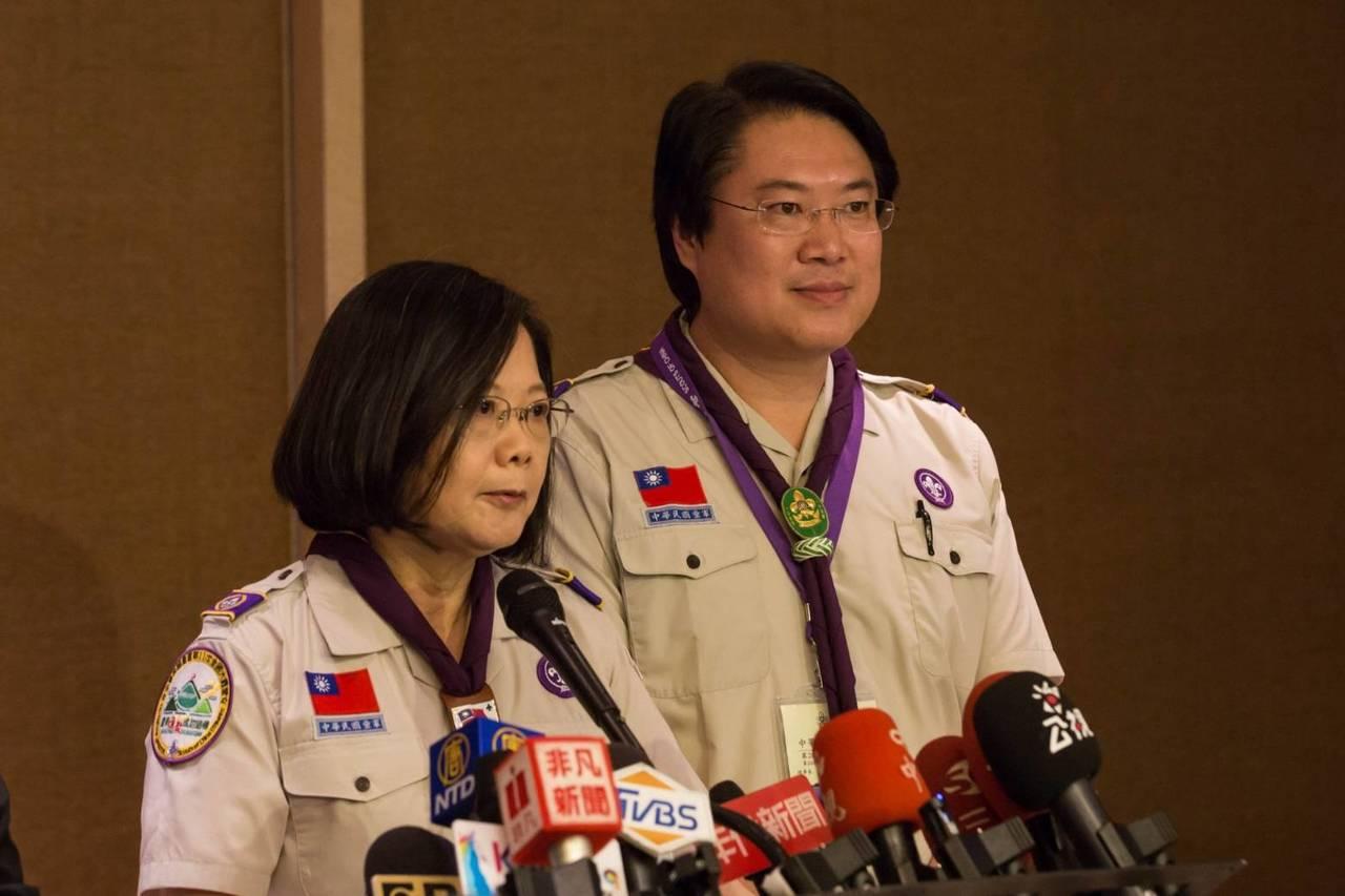 基隆市長林右昌順利連任中華民國童軍總會理事長,他透露爭取到2021年亞太區童軍領...