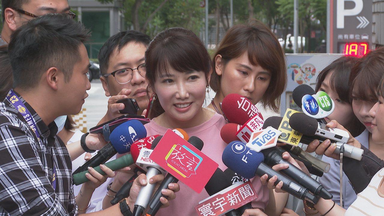 永齡基金會副執行長蔡沁瑜表示,郭台銘目前為止,還沒有決定選或不選。記者王彥鈞/攝...