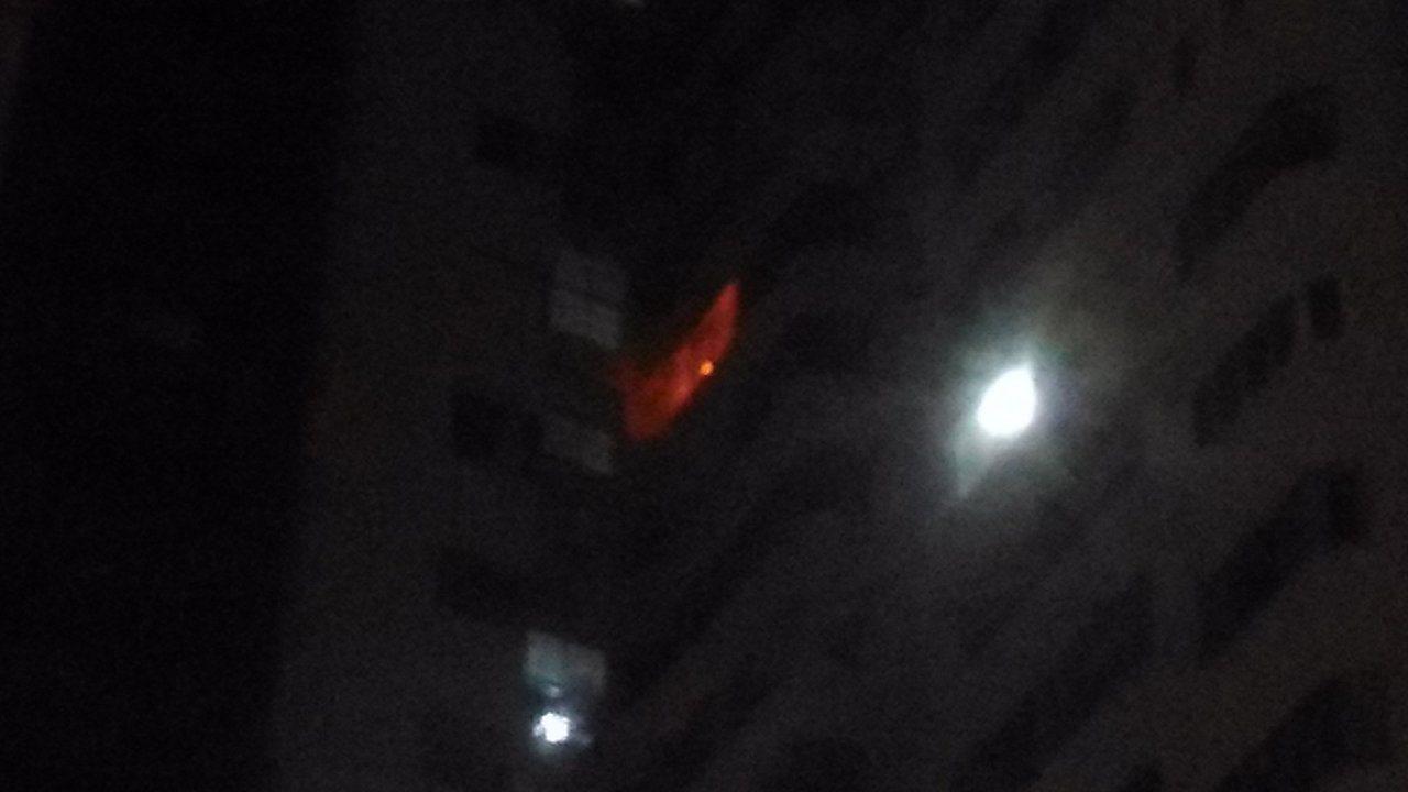台南市東區國家新境大樓18樓發生火災。記者黃宣翰/攝影