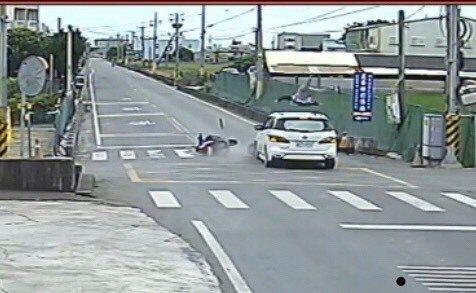 車禍發生,大車不一定就要賠小車,要視路權及車禍發生狀況。圖/聯合報系資料照片