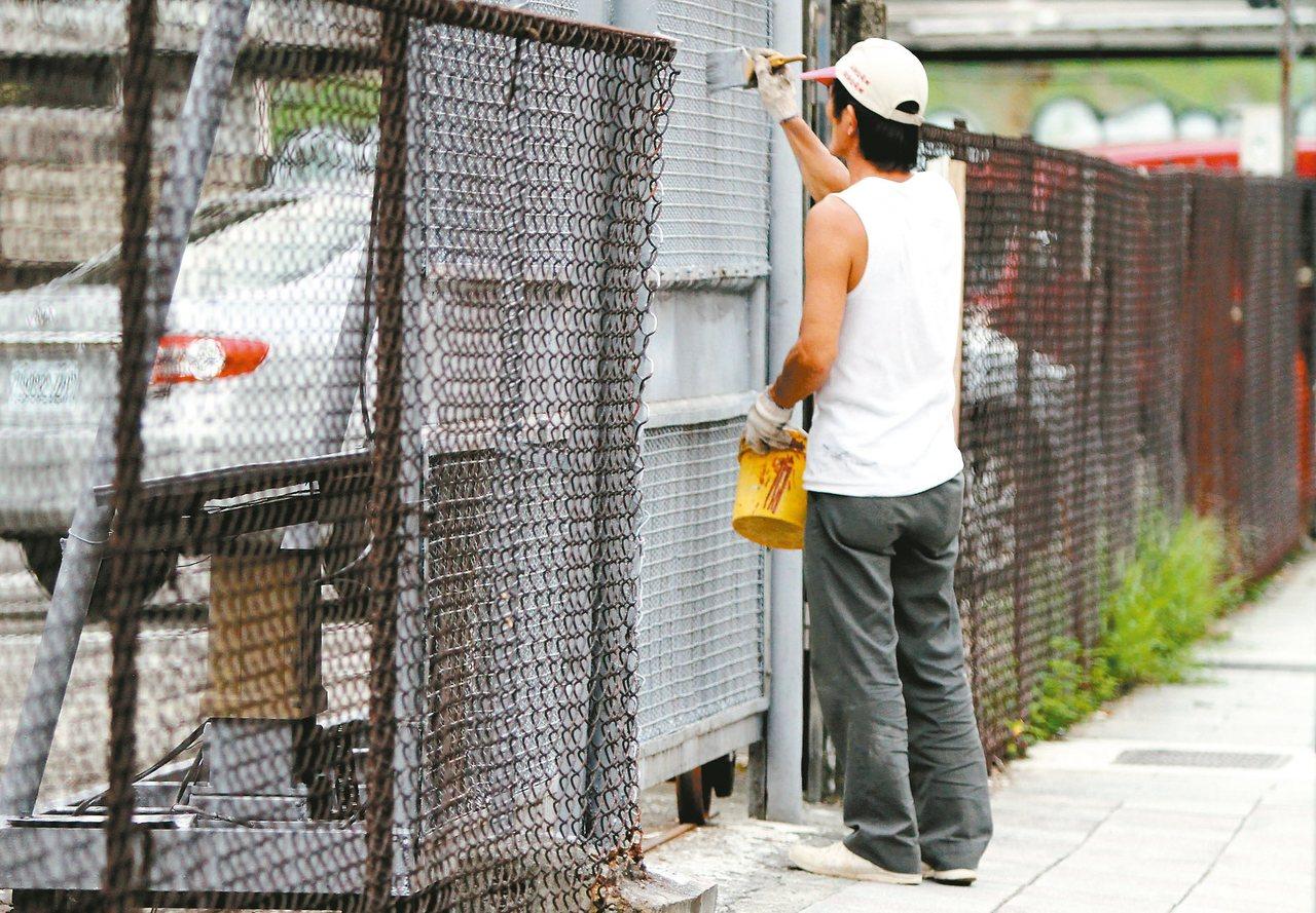 今年立法院修正通過勞基法,增加對派遣勞工權益保障,派遣勞工應該確實了解以求自保。...