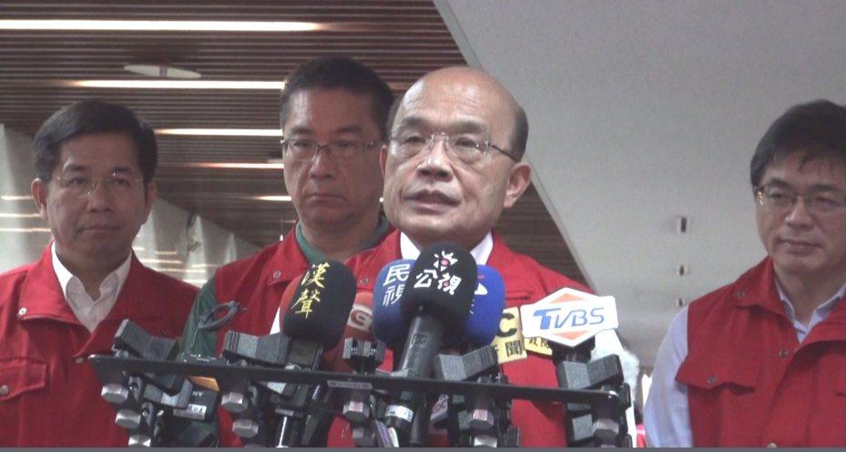 行政院長蘇貞昌在白鹿颱風來襲時與縣市首長視訊遭批耍官威。聯合報系記者王長鼎/攝影