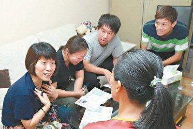 長照家庭若未先進行照顧協議,不只傷感情也可能走上法律途徑。  圖/鄧桂芬攝影