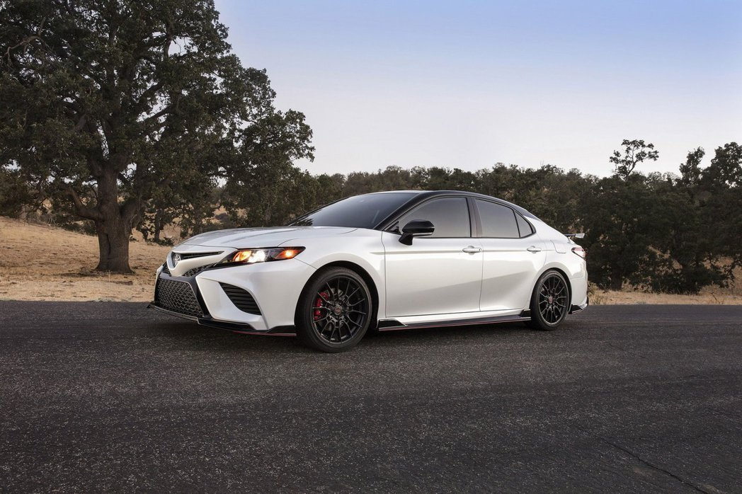 2020 Toyota Camry TRD。 摘自Toyota