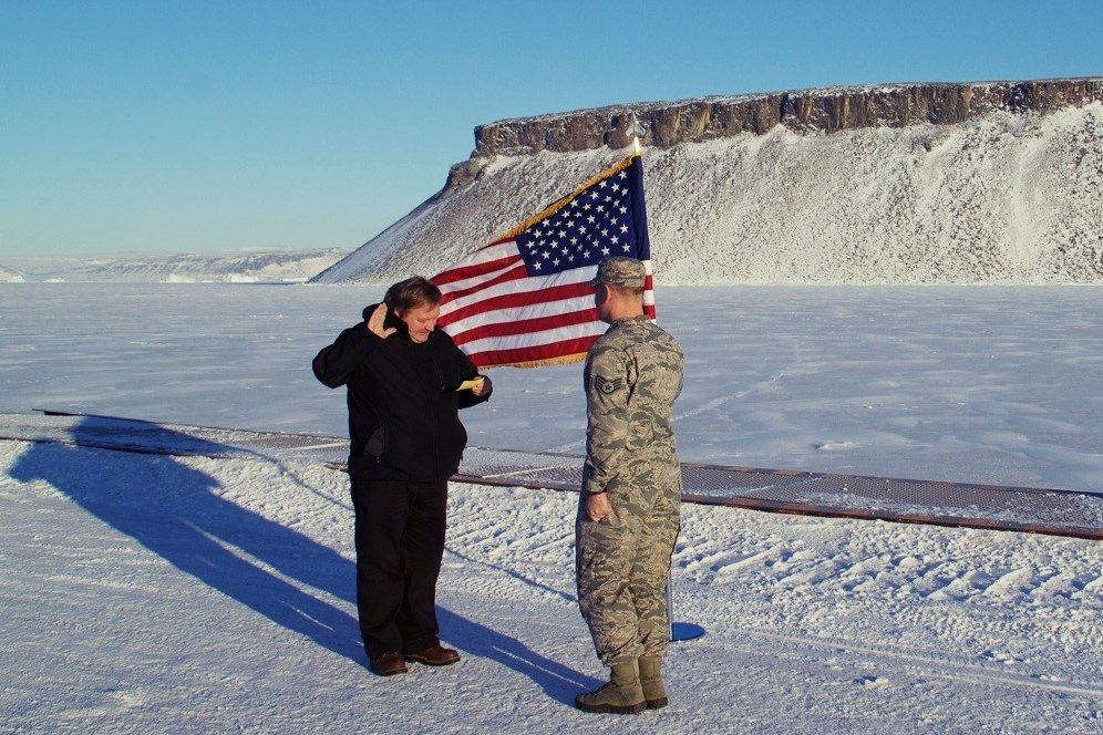 二戰以來,美軍就在此駐紮,建立圖勒空軍基地(Thule Air Base),設有...
