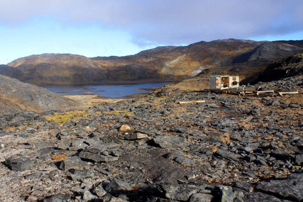 克瓦納灣(Kvanefjeld)礦床,擁有大量的釹、鐠、鏑和鋱等重稀土,可用於先...