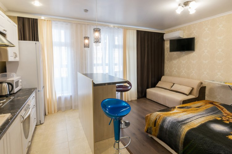 日前一名女網友與老公買了一間舊公寓,並打算將房租所存的錢拿來做投資,不急於償還房...