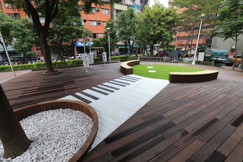 中安公園,公園共融式遊具「音樂森林」。 圖/聯合報系資料照