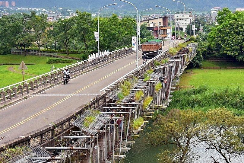 慶和橋津梅棧道。