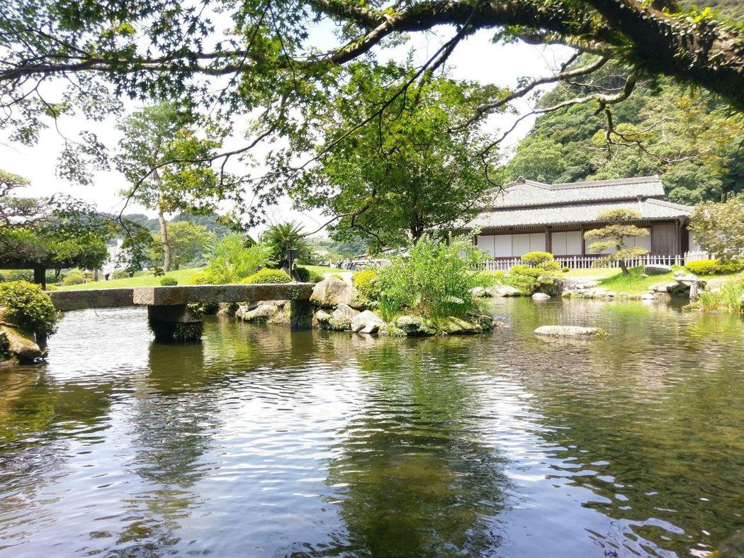御殿旁之大池