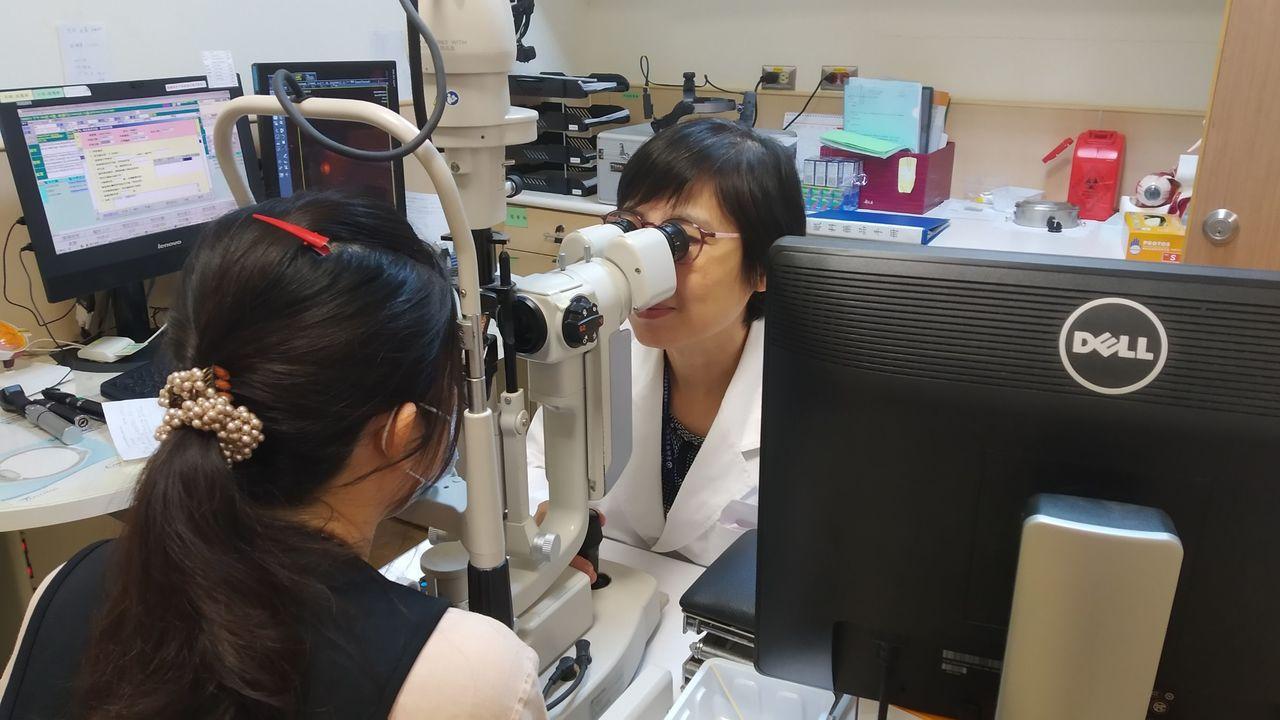 台灣人用眼過度,視網膜病變比率增加。圖/安南醫院提供