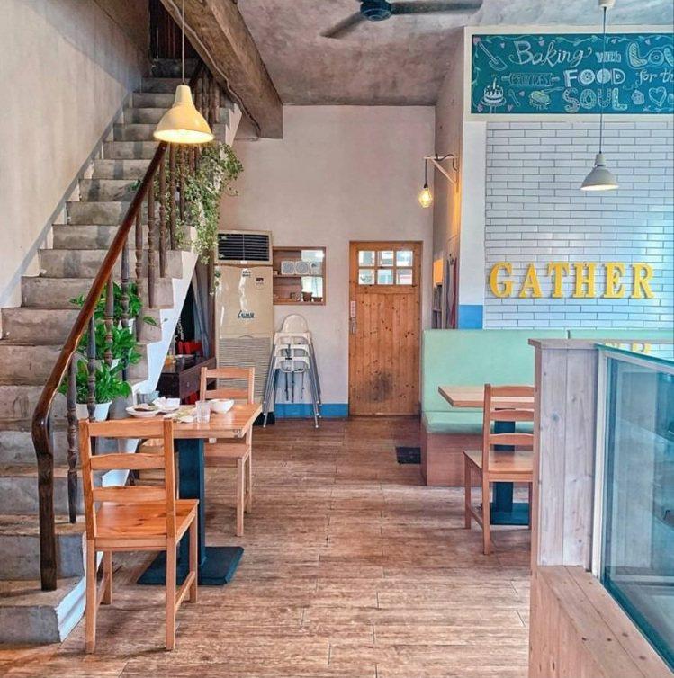 「Gather cafe食聚」內用空間有質感。IG @_.shuangshuan...