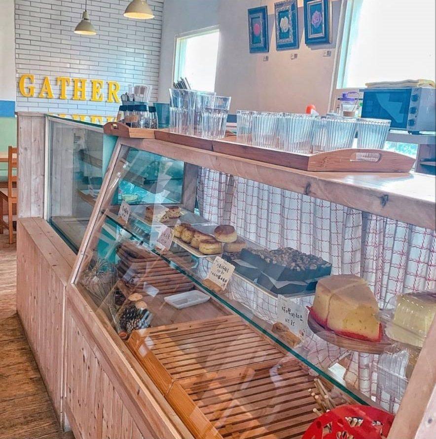 「Gather cafe食聚」每日甜點都是限量供應。IG @_.shuangsh...