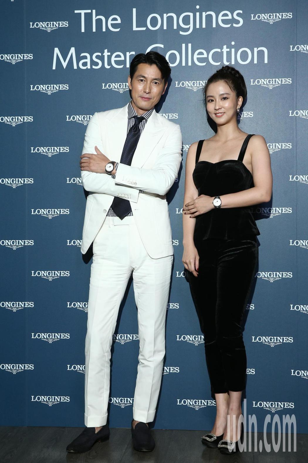 鄭雨盛(左)與周曉涵(右)晚間一起出席浪琴表新品上市派對。記者蘇健忠/攝影