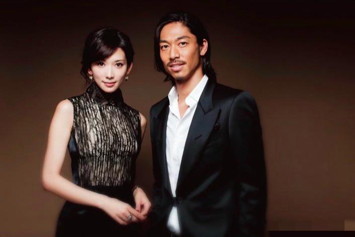 林志玲和夫婿黑澤良平(AKIRA)將亮相央視中秋晚會。(新浪娛樂)