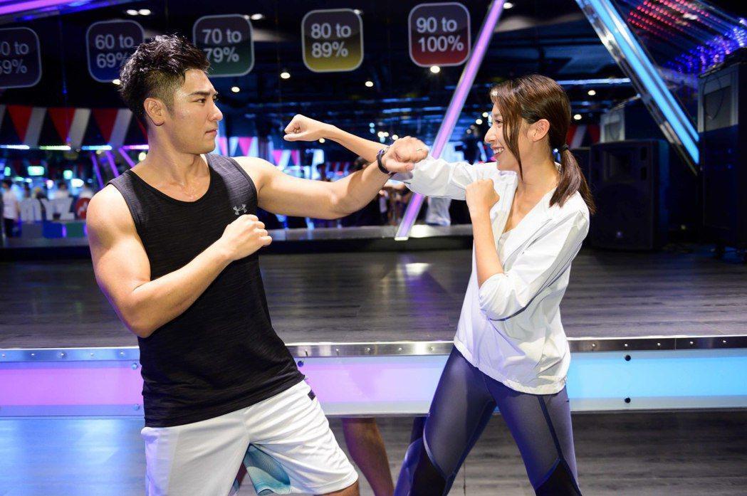羅平(左)與楊晴劇中是未婚夫妻。圖/TVBS提供