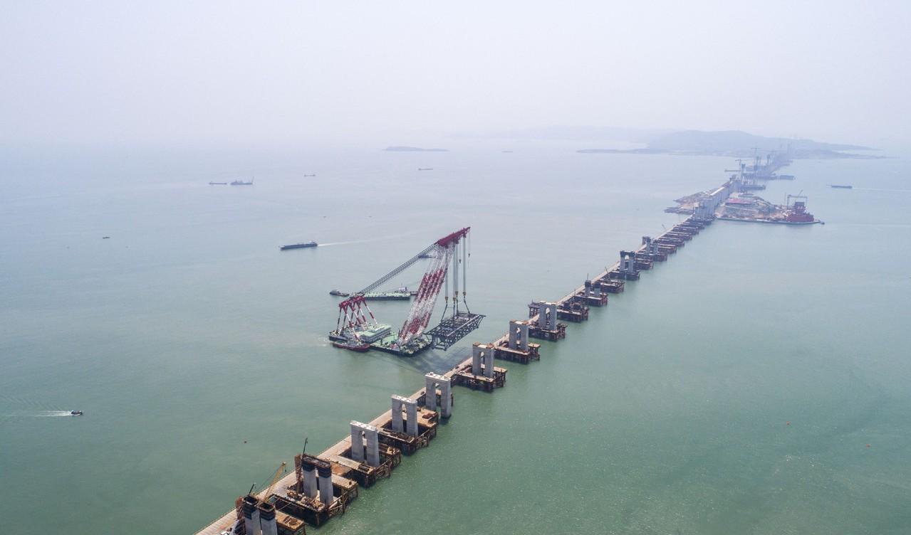 平潭海峽是「建橋禁區」的世界三大風口海域之一,施工難度極高。 圖/摘自網路