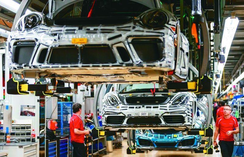 證交所主辦的「汽車工業主題式業績發表會」,相關類股開出法說行情。歐新社