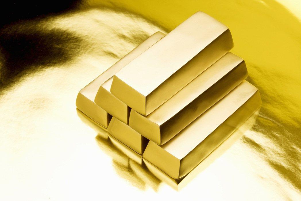 貿易戰讓市場陷入震盪,黃金是熱門避險標的。 圖/Ingimage