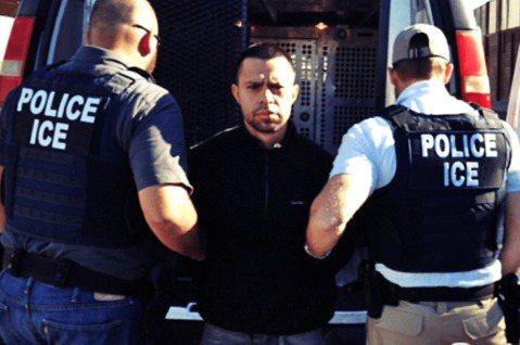 在美國國土安全部的政策下,「移民與海關執法局」(ICE)從7月11日起,在紐約、...
