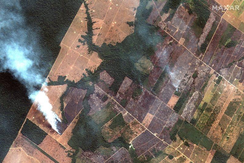 圖為8月15日的衛星照,攝於巴西韋柳港西南處。 圖/美聯社