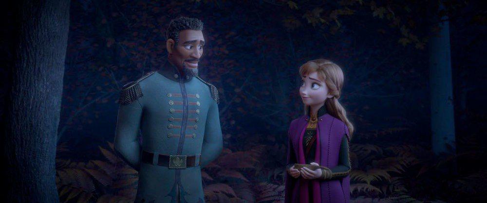 「冰雪奇緣2」出現新角色之黑人軍官。圖/摘自twitter