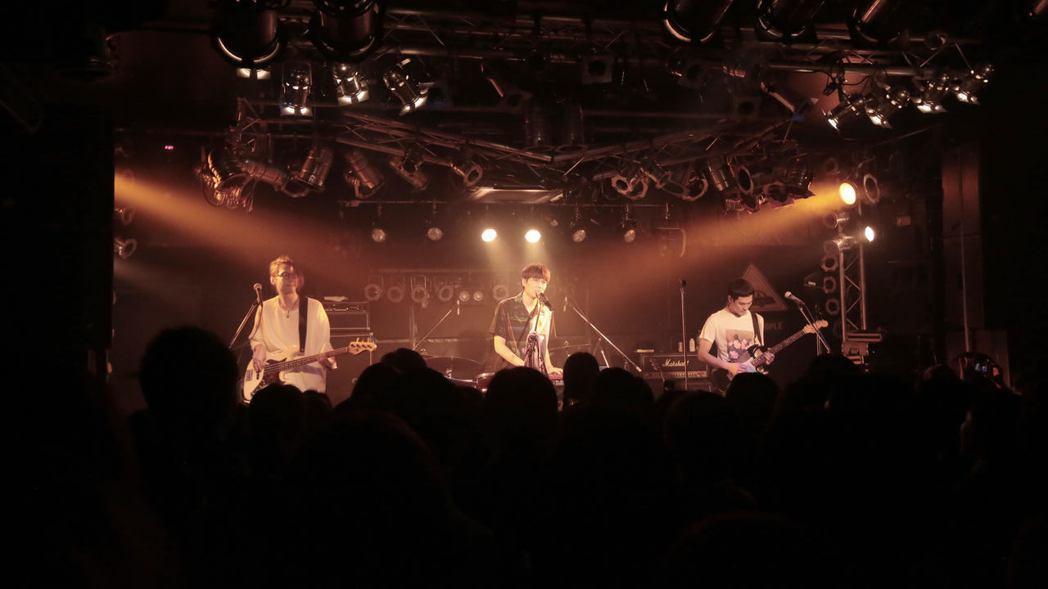 宇宙人在日本舉辦「再陪我玩十年」巡演。圖/相信提供