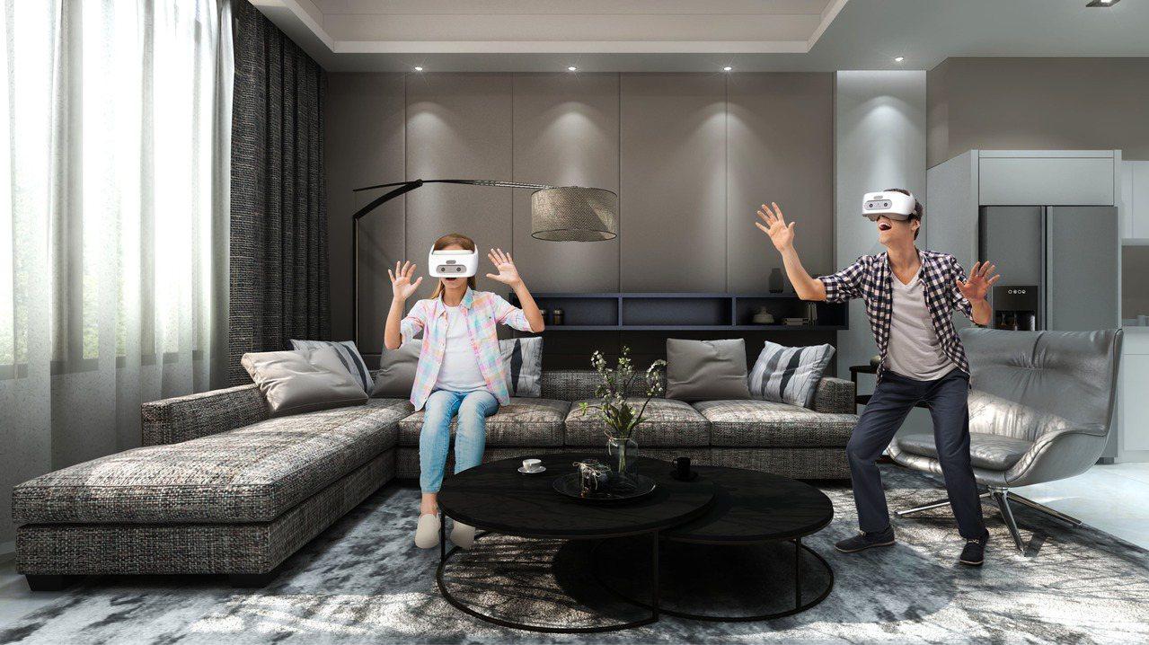 HTC VIVE導入VR多人同步體驗解決方案。(圖:宏達電提供)