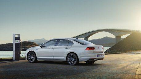 Volkswagen推出Passat GTE PHEV 純電行駛里程更長